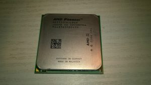 01. AMD Phenom X4 9950 Black Edition.jpg
